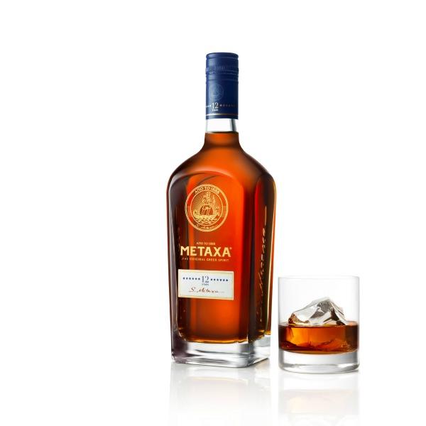 metaxa_bottle_glass_side-twn